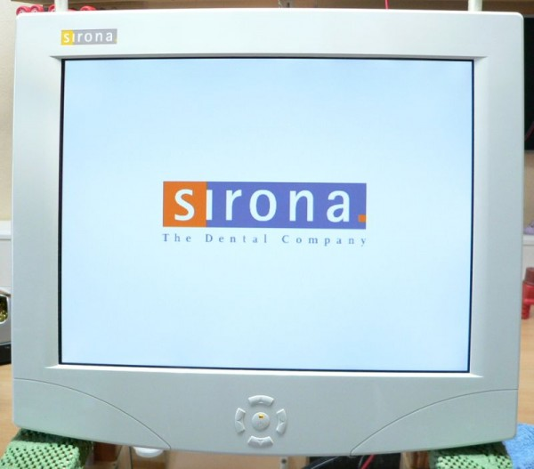 Displaign-Sirona-Modell-D3399-15-Monitor